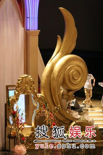 第43届大钟电影节精彩图片 主持人礼台