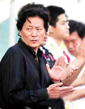 获得英国劳工证为时不远 主帅朱广沪能救董方卓