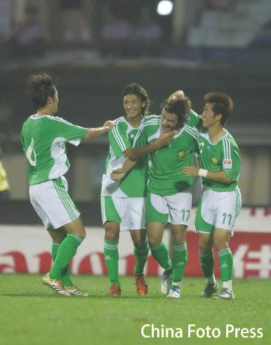 图文:武汉1-1主场战平国安 高大卫庆祝进球