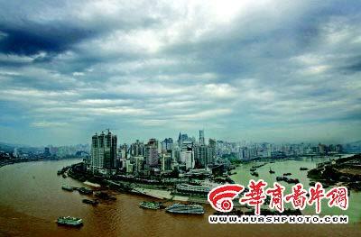 重庆昨日降温 今日有雷阵雨明日最高35℃(组图)