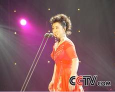 青歌赛民族唱法决赛选手:吴娜