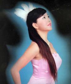 青歌赛民族唱法决赛选手:尉金莹