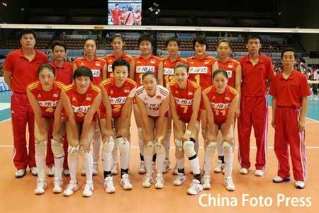 图文:阿迪达斯奥运明星球队--中国女排
