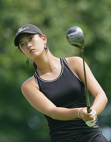 明星囹�a�n�_高尔夫球女明星:美籍韩裔魏圣美