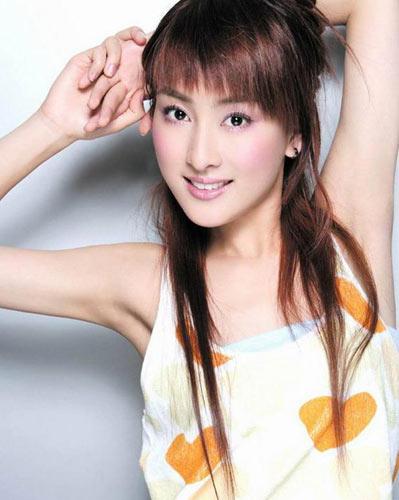 组图:孔令辉女友马苏写真 甜美笑容迷人心魄