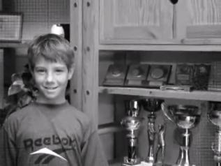 网球猜吧:猜猜这是谁的帅气童年?