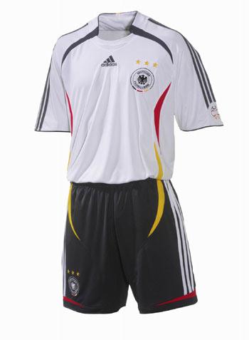 阿迪达斯足球装备--德国国家队队服-搜狐体育图片