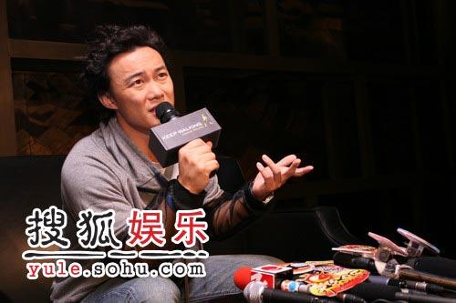 陈奕迅北京放话:其实我也很想出去玩(组图)