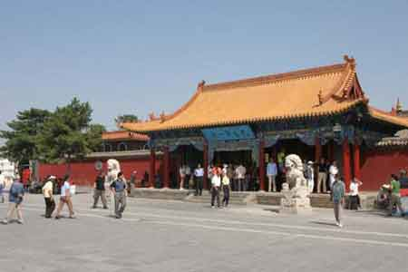 中国网络媒体内蒙古行记者感受青城大召(图)