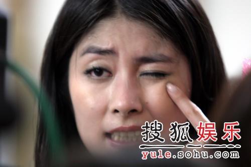 """童安格孙俪献唱""""七夕"""" 陈慧琳被烟花溅眼中"""