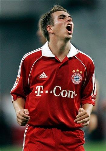 图文:德国联赛杯拜仁点球晋级 拉姆在比赛中