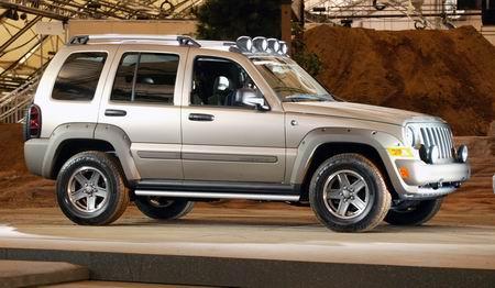 克莱斯勒宣布召回80余万辆Jeep Liberty