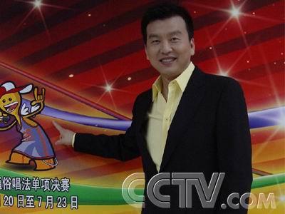 预告:青歌赛主持人张泽群4日15时做客搜狐