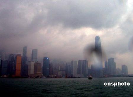"""强热带风暴""""派比安""""形成台风逼近香港(图)"""