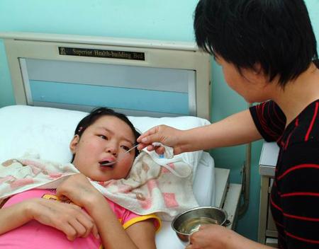 少女身患绝症无钱医治 父母准备放弃治疗(图)
