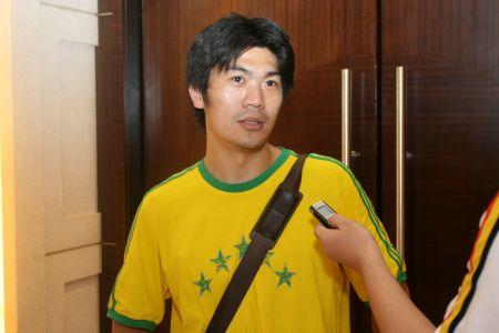 图文:搜狐阿迪达斯共赢08奥运 冉雄飞接受采访