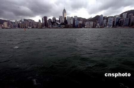 派比安致港海陆空不畅 逾六百航班三千旅客滞港