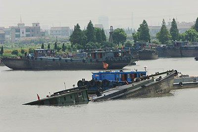 京杭运河浓硫酸泄漏事故 500米河段被污染(图)