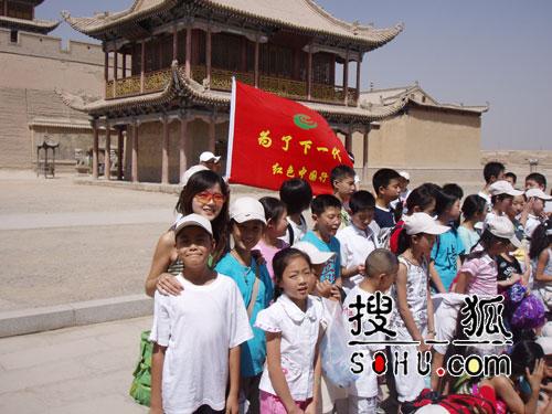 勇敢女生张睿恩受邀演出 献声中国航天人(图)