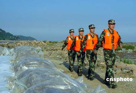 回良玉打电话给浙江副省长 对防台风作重要指示(图)