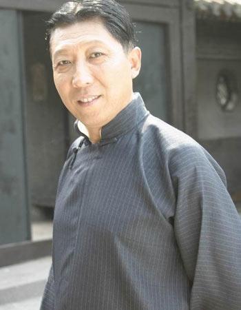 资料图片:《夜深沉》人物--田金富(韩童生饰)
