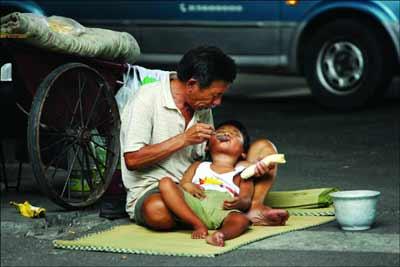 婴 宁放弃妻儿流浪街头成乞丐图片