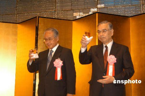 报道称日本前驻华大使曾进谏小泉要其停止参拜