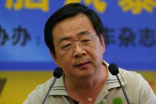贾新光:市场发展不均衡 下半年应关注宏观调控
