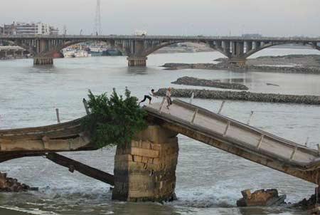 古桥结构示意图