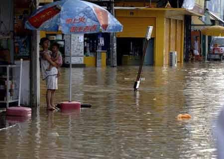 图文:苍南市区大部分地区仍没恢复供电