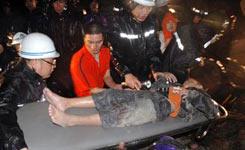 温州居民楼台风中倒塌