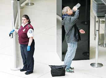 美国机场允许携带液体药品 乘客须脱鞋检查(图)