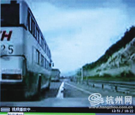 美女飞车1个半小时飙253公里 网站播视频惹争议
