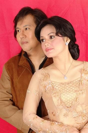 组图:印尼歌坛情侣―哈里和怡音