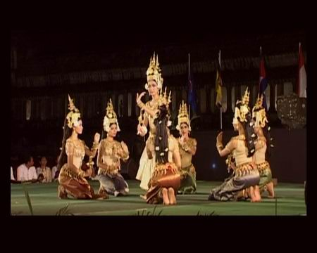 组图:柬埔寨参加第八届亚洲艺术节