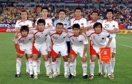 图文:亚洲杯预赛中国VS新加坡 国足首发阵容