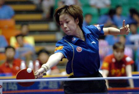 图文:北京首创女队提前夺冠 张怡宁在比赛中