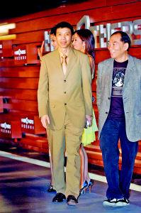 华谊兄弟承诺:冯小刚12年后能分红利10多亿