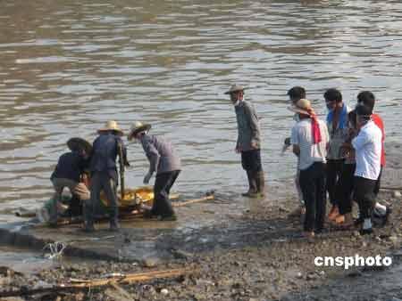 """台风""""桑美""""已造成福建省215人死亡157人失踪"""