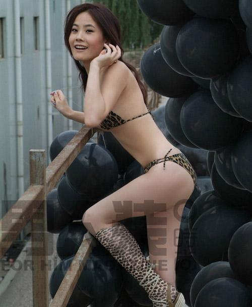 """柯以敏狂批超女 叶一茜安又琪变""""脱星""""(图)"""