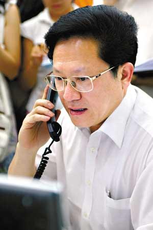 广州市长张广宁电话接受信访 承认工作失误(图)
