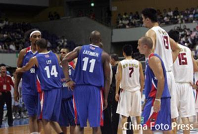 世锦赛图:中国队VS波多黎各 双方发生争执