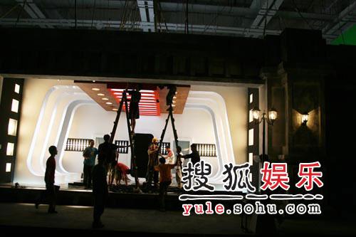 """""""偷师""""蔡依林 刘亦菲要做歌坛""""少男杀手"""""""