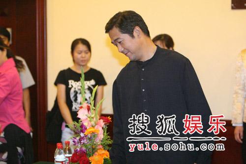 张国立蒋雯丽携手《金婚》 主要演员集体装嫩