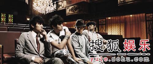 周董的这四种造型,左一出现自《叶惠美》专辑的封面照,左三出自歌图片
