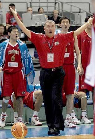 世锦赛图:中国VS斯洛文尼亚 尤纳斯庆祝得分