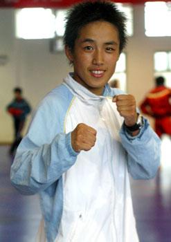 图文:世界杯武术散打赛 中国选手:鄂美蝶