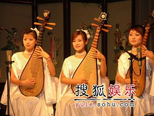 评弹《四大美人》上海演出 精湛表演观众陶醉