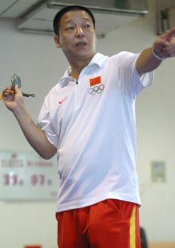 图文:世界杯武术散打赛 总教练:张根学