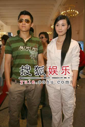 独家:青年演员夏雨石小群做客搜狐访谈室4